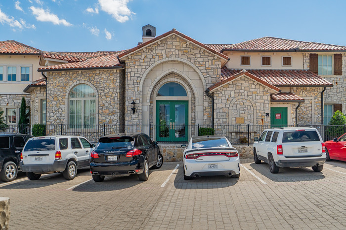 Office Building in Adriatica For Sale / Lease