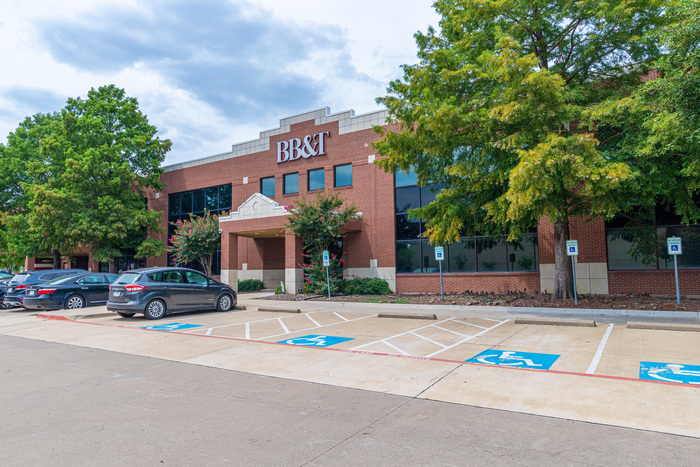 Office Space for Lease on U.S. 75 in Plano
